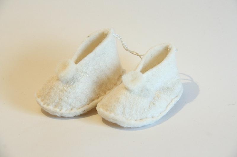 Liz Clay - White Baby Booties e09ba72bcb0b