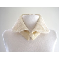 chevron_pleated_wing_collar_front