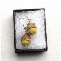 liz_clay_acorn_earrings_green