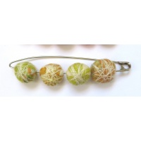 safety_pin_brooch_citrus_106249624